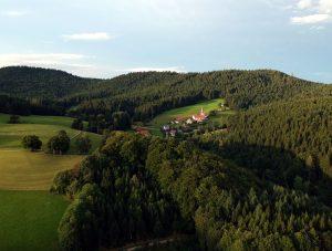 Dorf und Wallfahrtskirche St. Roman