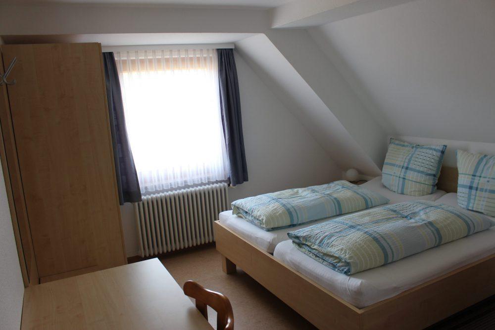 Schlafzimmer rechts Ferienwohnung 2